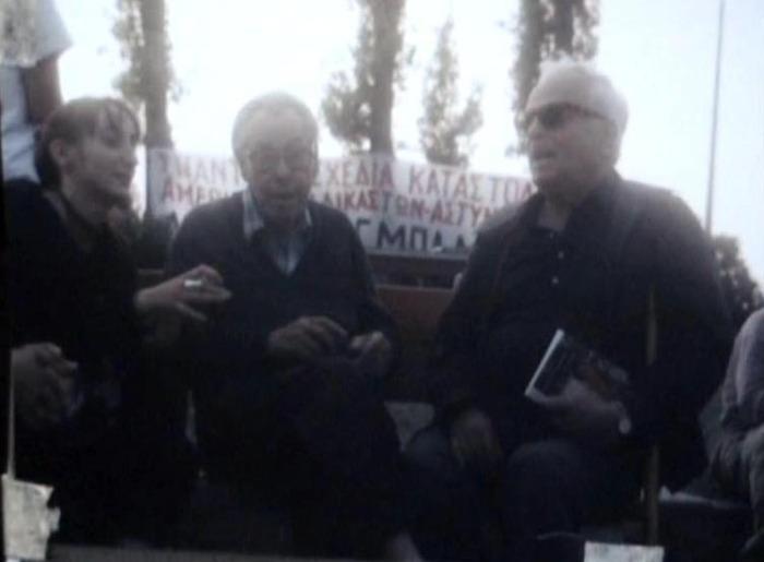"""Ο Abel Paz με τον Γιάννη Ταμτάκο στη Θεσσαλονίκη (φωτογραφία από το προσωπικό άλμπουμ του Γιάννη Ταμτάκου όπως αποτυπώθηκε στο βίντεο για την ταινία μου """"Κουρσάλ"""" )"""