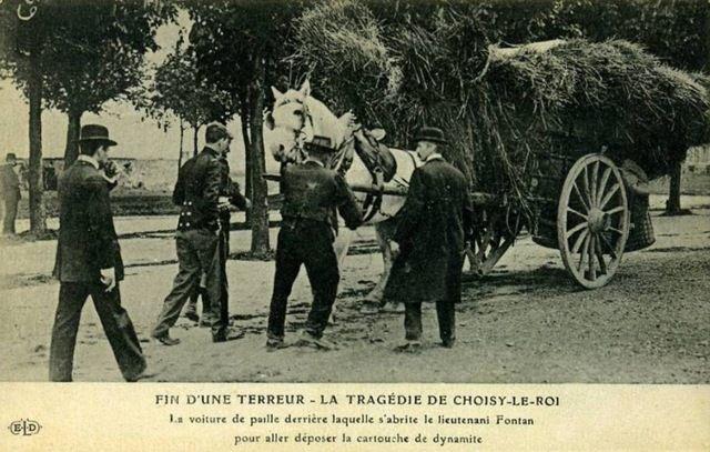 Κατά τη διάρκεια της πολιορκίας της Choisy-le-Roi, ένα καλάθι για την εναπόθεση εκρηκτικά για να ανατινάξουν το κρησφύγετο όπου αφαιρείται Jules Bonnot προσέγγιση