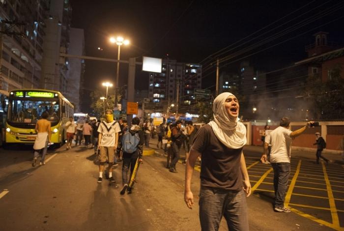 pb-130620-brazil-protest-02.photoblog900
