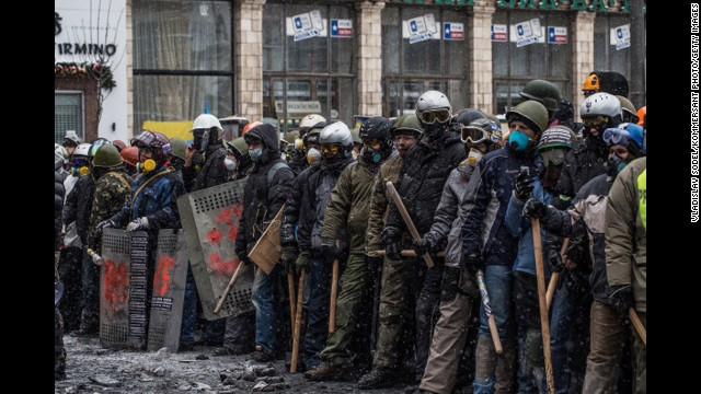 140122161912-05-ukraine-protests-horizontal-gallery