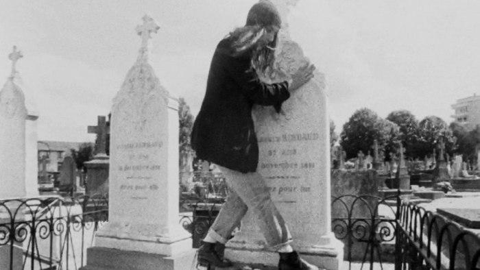 H Patti Smith στον τάφο του Arthur Rimbaud.