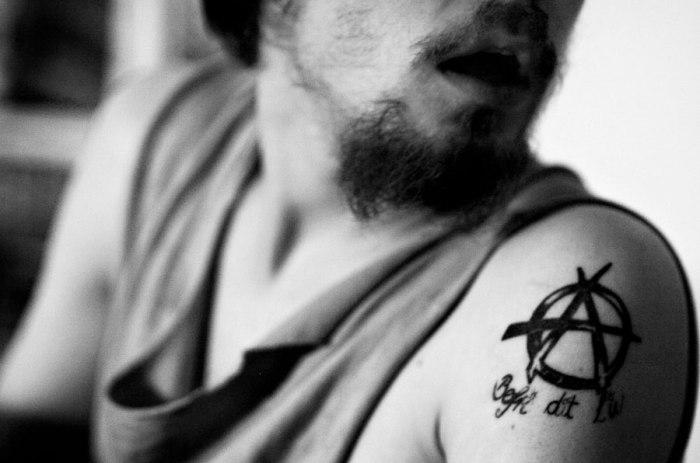 John Tully : Anarcho Punks.