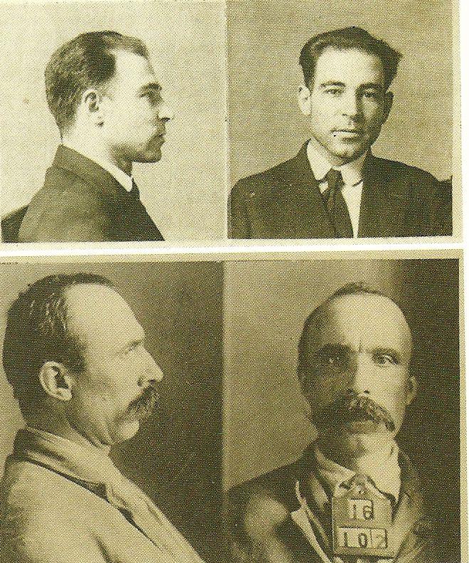 15 Απρ του 1920 - Στη Νότια Braintree, Μασαχουσέτη, το ταμείο του εργοστασίου υποδημάτων της και η φρουρά του σκοτώθηκαν κατά τη διάρκεια της ομηρίας στην οποία είχαν κλαπεί μισθούς των εργαζομένων. Στις 5 Μαΐου, δύο αναρχικοί ιταλικής καταγωγής συνελήφθησαν σε ένα τραμ σε Brockton, Μασαχουσέτη, για κατοχή απαγορευμένων όπλων.  Κατηγορούνται για την τέλεση της ομηρίας, που καταδικάστηκαν σε θάνατο στις 14 Ιουλίου 1921, παρά την έλλειψη αποδεικτικού υλικού. Μετά από μια μακρά διαδικασία προσφυγής, στις 23 Αυγούστου 1927, έξι χρόνια μετά την ποινή τους, Nicola vacco (επάνω) και Bartolomeo Vanzetti (κάτω) εκτελέστηκαν από ηλεκτρική καρέκλα στις φυλακές σε Charlestown, Μασαχουσέτη.