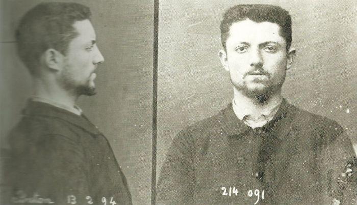 12 του Φλεβάρη του 1894 - Émile Henry πραγματοποίησε βομβιστική επίθεση στο Café Terminus στο Παρίσι, όπου σκοτώθηκε ένα άτομο και τραυματίστηκαν 20. Όταν συνελήφθη ο ίδιος ισχυρίστηκε, επίσης, την ευθύνη για την επίθεση σε ένα αστυνομικό τμήμα που προκάλεσε έξι θανάτους στις 8 Νοεμβρίου 1892.  Καταδικάστηκε σε θάνατο και εκτελέστηκε στις 21 του Μάη 1894, στην ηλικία των 21.