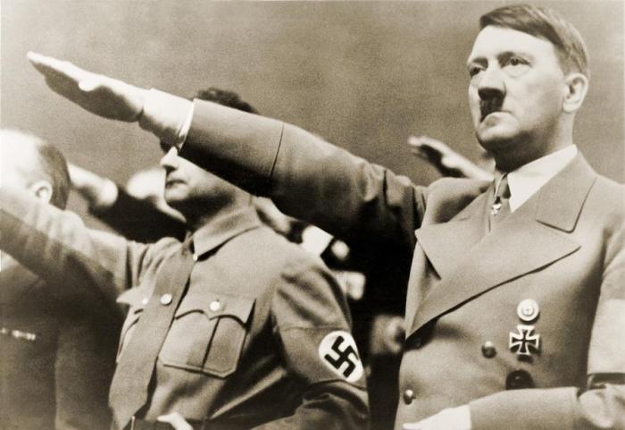 adolf-hitler-giving-nazi-salute-to-everett