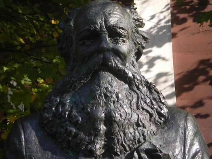 Ο Πιοτρ Αλεξέγεβιτς Κροπότκιν πέθανε από πνευμονία στις 8 Φεβρουαρίου 1921