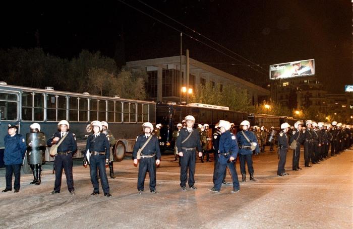 Αστυνομικοί στην αμερικάνικη πρεσβεία (Φωτογραφία: ΑΠΕ/ ΜΠΕ)